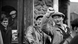 ouvriers-grevistes-le-30-mai-1936-a-paris_5589449